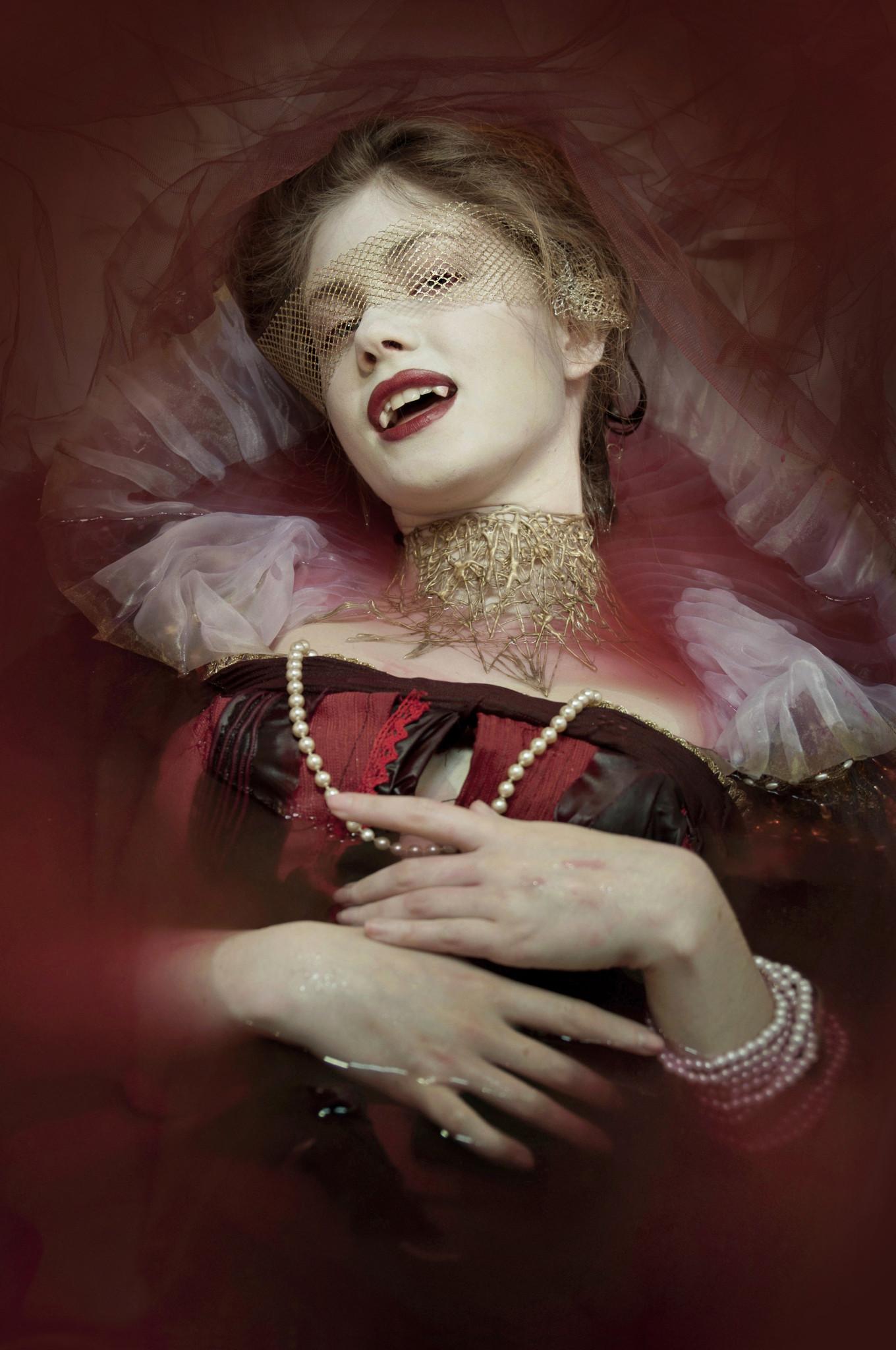 vampire countess movie